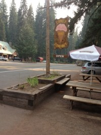 The ice cream stop just outside of Crater Lake